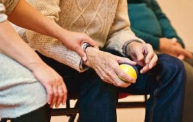 骨关节炎危害非同小可,美国维骨力和澳洲维骨力哪种更有效