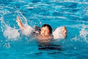 发现溺水应该怎么做牢记6点来救人4个错误不要犯