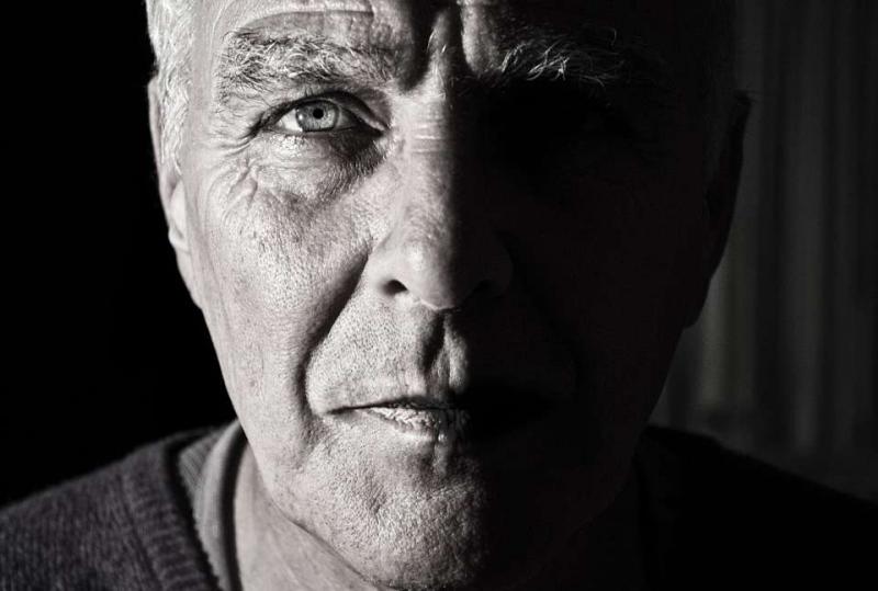 鼻孔干燥出血吃什么药鼻孔干燥出血的护理